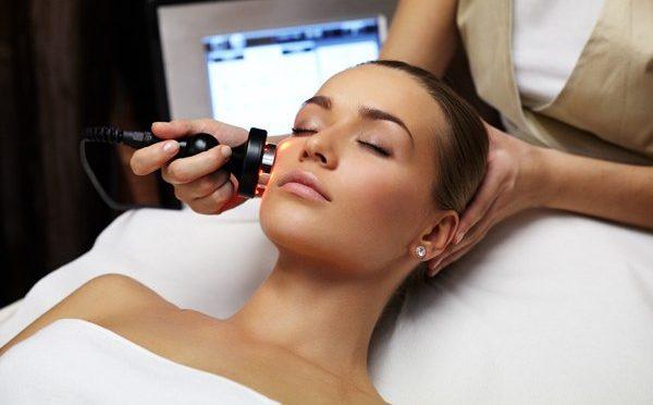 Популярные бьюти - услуги косметологических клиник и их расшифровка