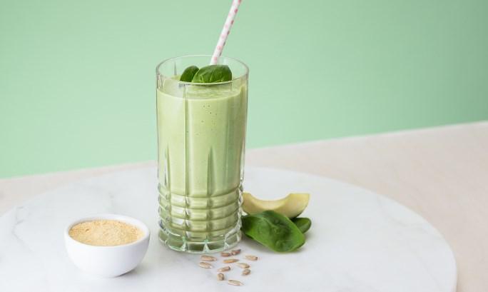 Смузи из шпината и авокадо